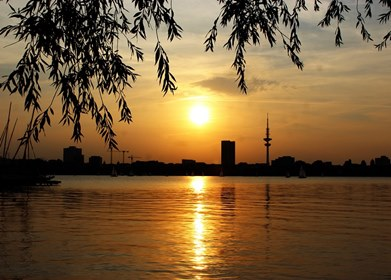 Photo of Hamburg: Angeln in der Alster